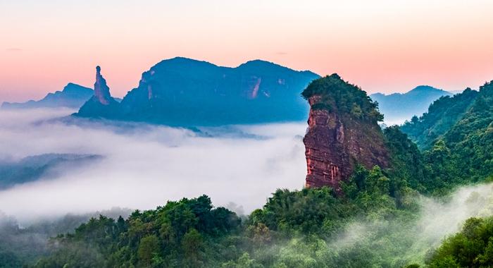 航拍大自然的鬼斧神工——丹霞山