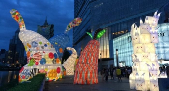 澳門國際花燈節開幕了!形形色色的玉兔燈,中秋國慶別錯過