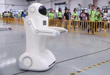 能變色能變形能爬行的機器人在深誕生
