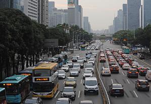 """深圳:5G智慧公交為乘客帶來""""智慧體驗"""""""