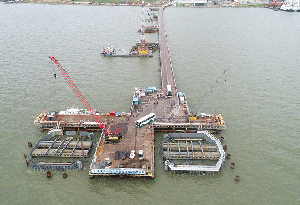 深中通道中山大橋完成鋼吊箱下放 轉入承臺施工階段
