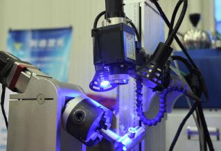 """衝擊光子大科學裝置""""巔峰"""",中山將建光子科學中心"""