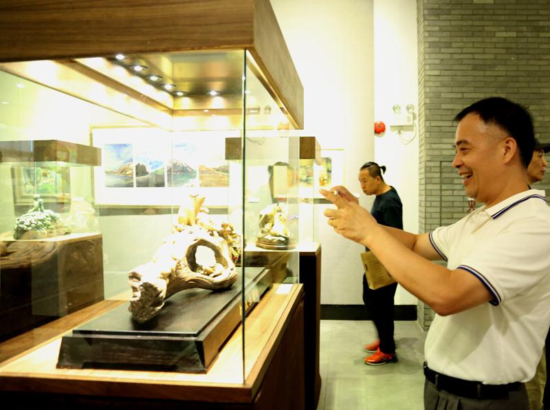 """""""妙手神韻""""潘柏林陶塑作品全國巡回展在順德北滘舉行"""